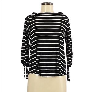 Cable and gauge 3/4 sleeve striped top small